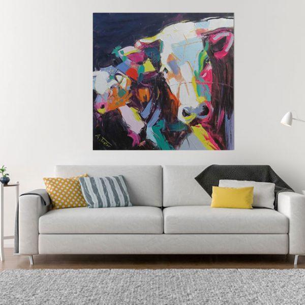 Bunte Kuh Tiere bei Haus der Bilder auf Leinwand