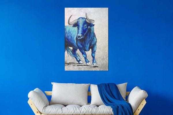 Stier auf Leinwand handgemalt im Wohnzimmer